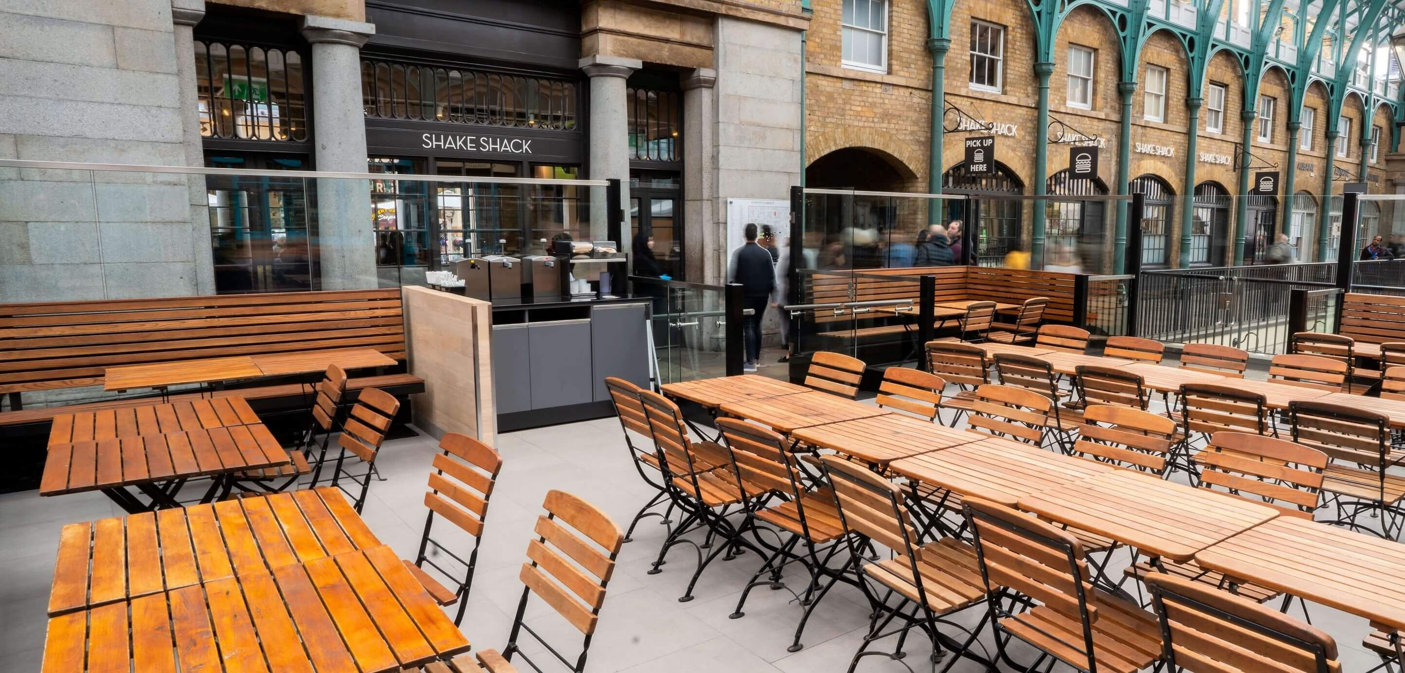 Shake Shack Covent Garden outside seating